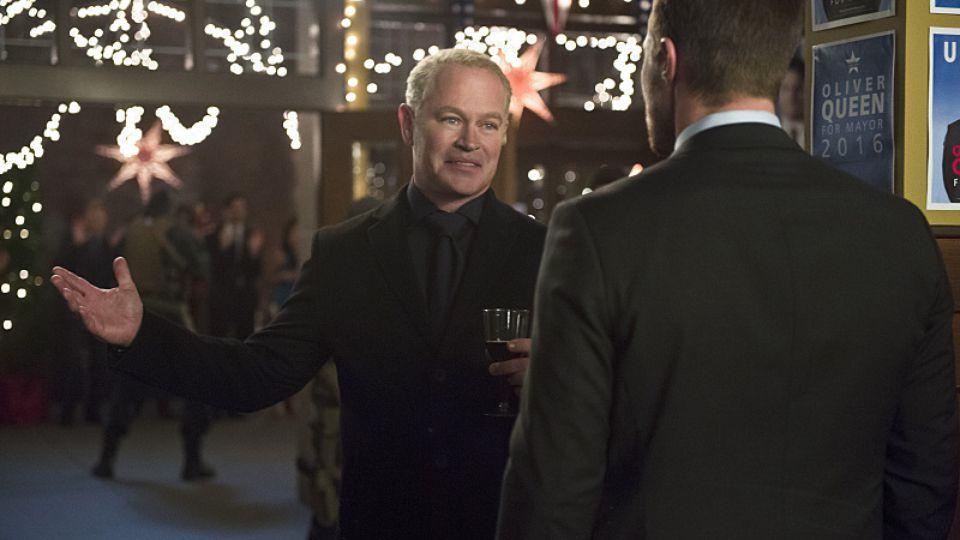 "Arrow Christmas episodes ""Dark Waters"""